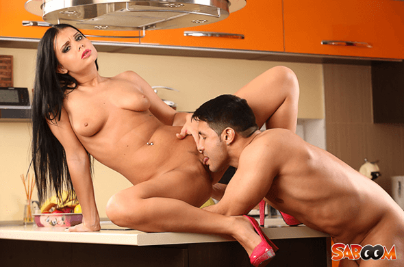 Versautes Sex Foto zeigt deutsche Amateure beim Ficken in der Küche